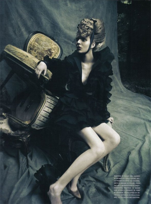 A Dream Of A Dress. Vogue Italia September 2009. Изображение № 8.