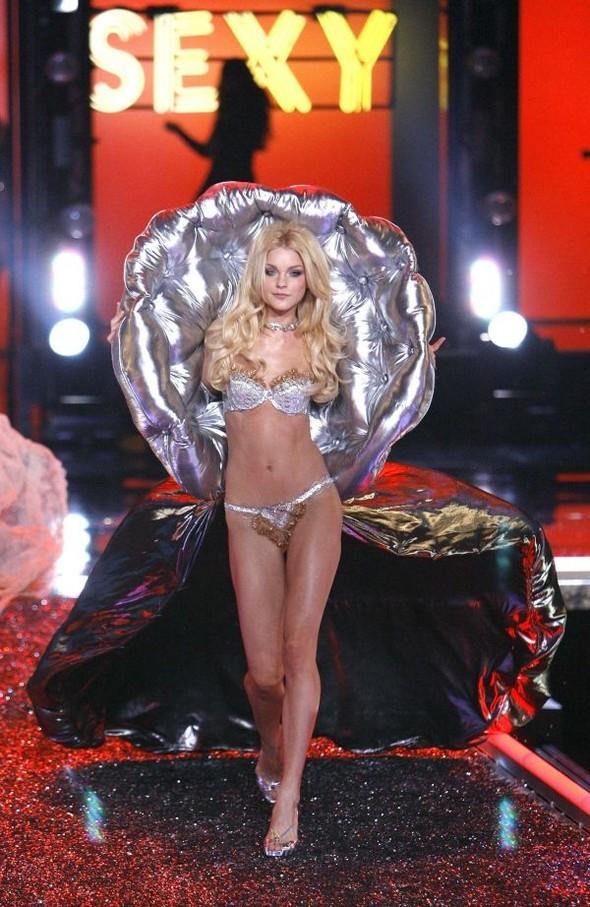 Victoria's Secret Lingerie Fashion Show 2008. Изображение № 58.
