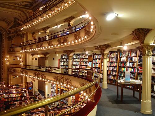 Самые необычные книжные магазины. Изображение № 4.