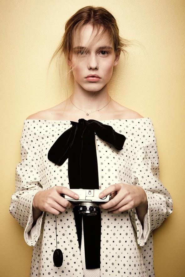 Съёмки: Playing Fashion, Schon, Vogue и другие. Изображение № 34.