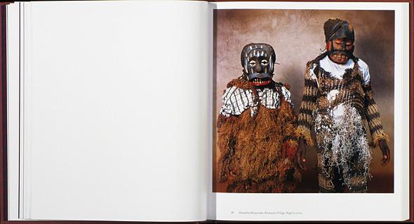 12 альбомов фотографий непривычной Африки. Изображение № 68.