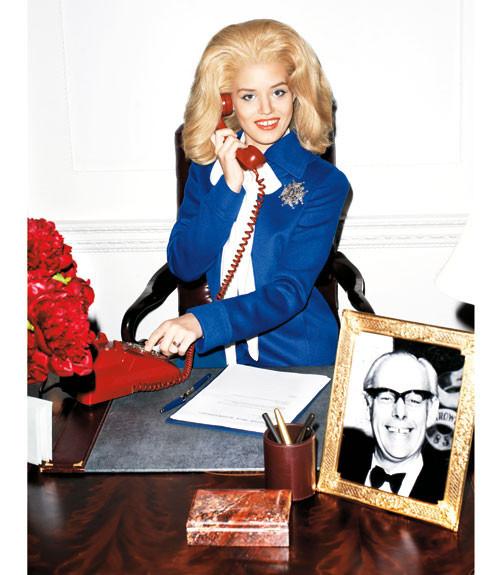 Терри Ричардсон снял Джорджию Мэй Джаггер в образе Маргарет Тэтчер. Изображение № 4.