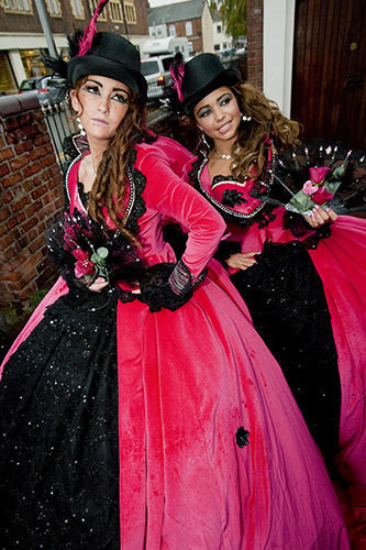 Изображение 16. Цыганские невесты и их свадебные платья.. Изображение № 14.