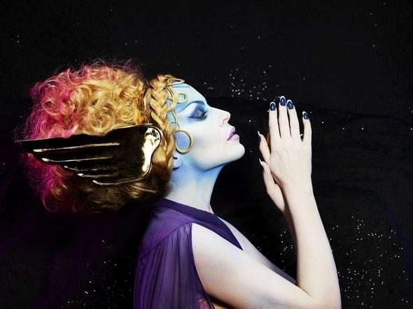 Изображение 7. Кайли Миноуг - греческая богиня любви: музыкальные победы и эксклюзивные фотографии.. Изображение № 8.