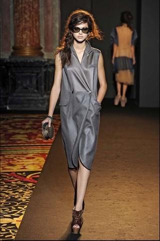 Алена Ахмадуллина на Парижской неделе моды. Изображение № 24.