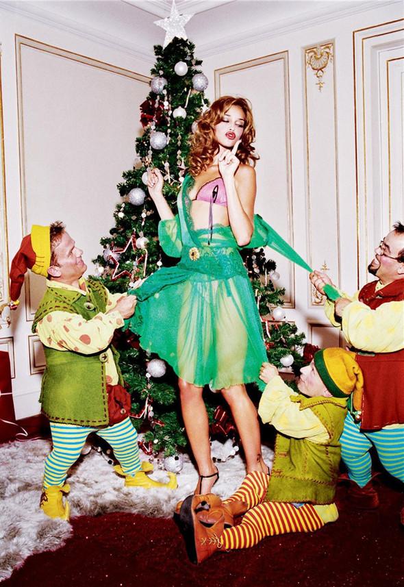 Архивная съёмка: Рождественская съёмка Эллен фон Унверт для Numero, 2004. Изображение № 4.