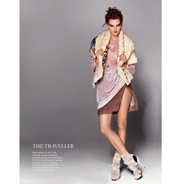 5 новых съемок: Dossier, Elle, V и Vogue. Изображение № 18.