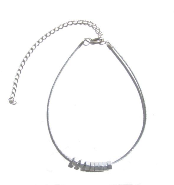 Ожерелья из цепей гаек и сантехнического шнура. Часть1. Изображение № 1.