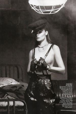 Съёмка в испанском Vogue, август 2011. Изображение № 77.