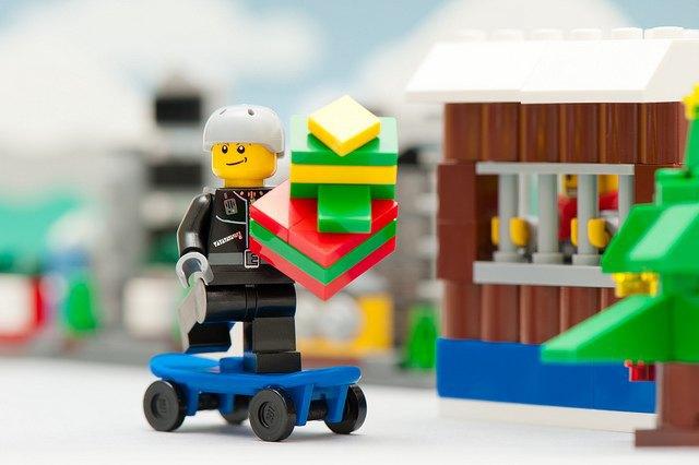 Lego перестанет использовать пластик на основе нефти . Изображение № 1.