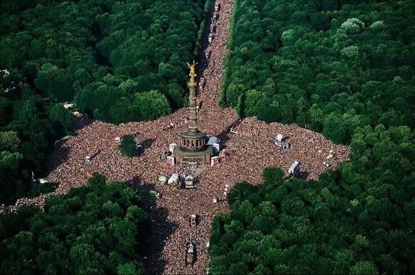 Love Parade в парке Тиргартен. Берлин. Изображение № 1.