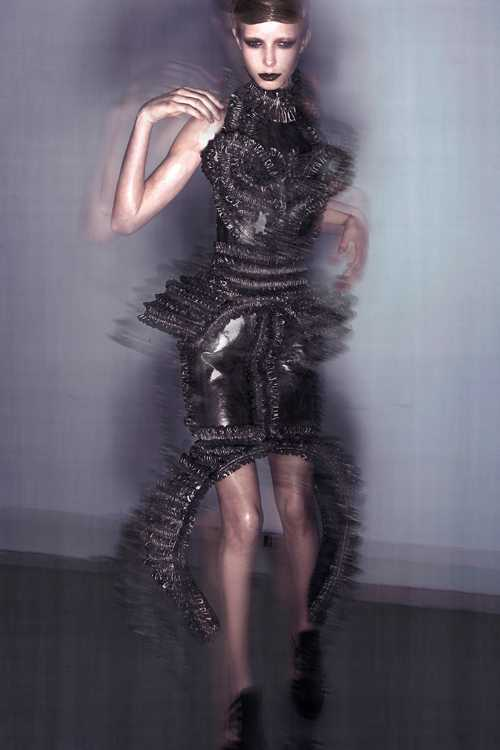 MUMMIFICATION by IRIS VAN HERPEN. Изображение № 3.