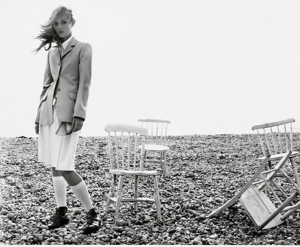 Архивная съёмка: Марио Тестино для Burberry SS 1999. Изображение № 7.