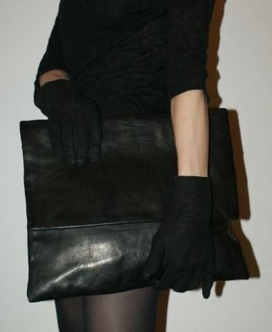 Nutsa Modebadze – Nice toMeet U, Bags. Изображение № 2.