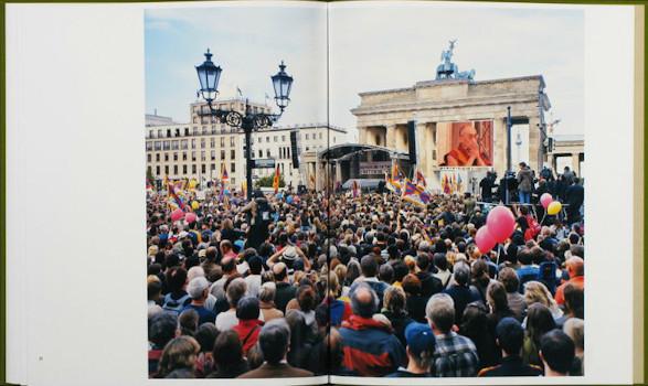 10 альбомов о современном Берлине: Бунт молодежи, панки и знаменитости. Изображение №99.