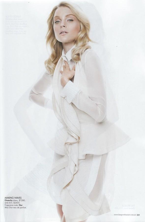 Съёмка: Джессика Стэм для Harper's Bazaar. Изображение № 4.
