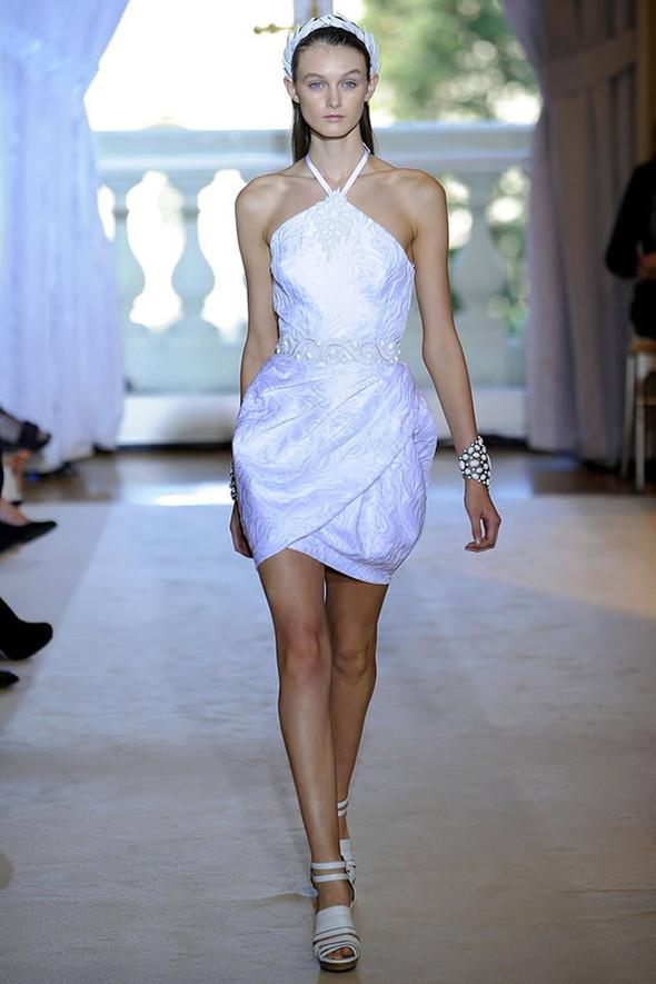 ТОП 10 белых платьев 2012 в коллекциях дизайнеров сезона весна-лето. Изображение № 3.