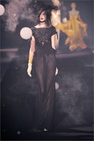 John Galliano Spring-Summer 2010. Изображение № 31.