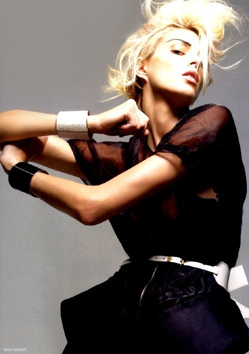 Uk Vogue. Anja Rubik by Nick Knight. Изображение № 7.