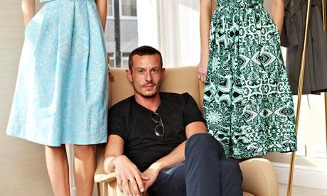 Модный дайджест: Самый современный дизайнер, причины популярности Chanel и явление Demi-couture. Изображение № 3.