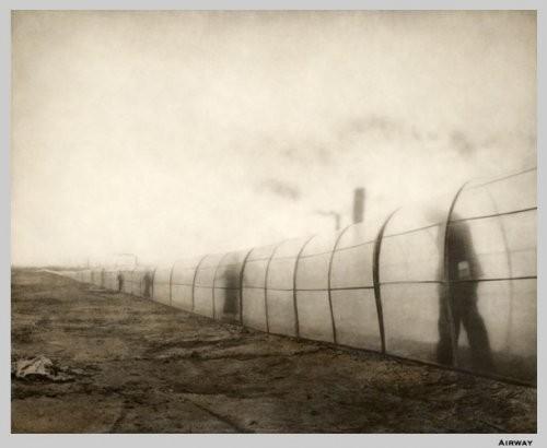 Еще восемь фотографов сюрреалистов. Изображение № 22.