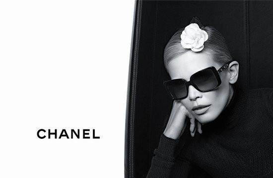 Изображение 2. Клаудия Шиффер снялась в рекламе очков Chanel.. Изображение № 2.
