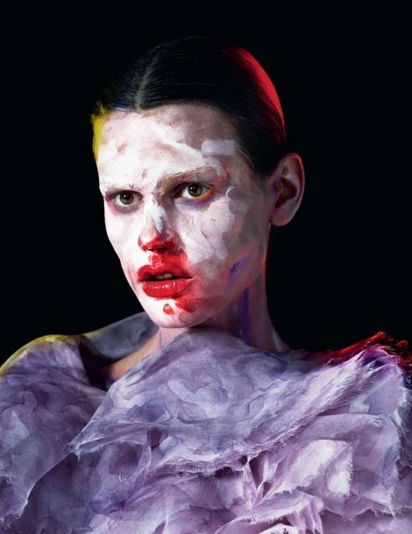 Стоп-кадр: Новые съемки Love, Russh, Vogue и V. Изображение № 12.