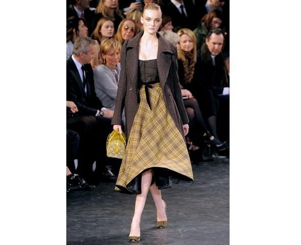 Можно все: Модели на показе Louis Vuitton. Изображение № 11.