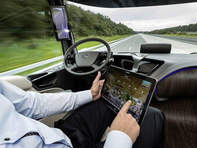 Появились новые фотографии автономного грузовика Mercedes-Benz. Изображение № 6.