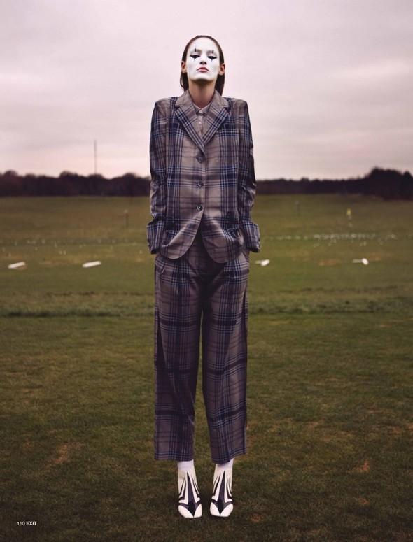 Новые съемки: Vogue, 25 Magazine, Exit. Изображение № 60.