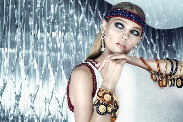 Вышли кампании Dior, Prada, Louis Vuitton и других марок. Изображение № 9.