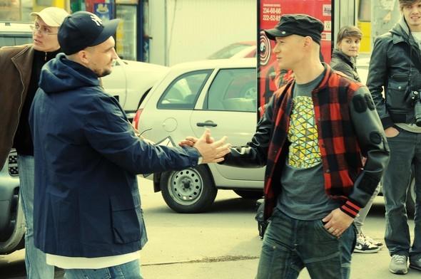"""Баста и Бумбок сняли клип на трек """"Солнца не видно"""". Изображение № 1."""