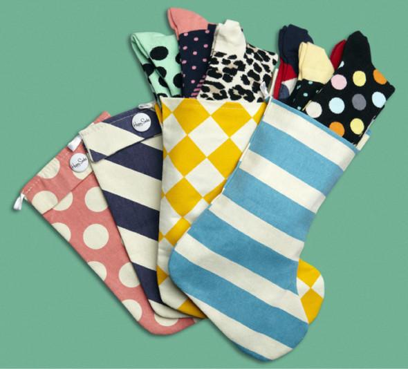 10 праздничных коллекций: Happy Socks, Oysho, Miu Miu и другие. Изображение № 15.