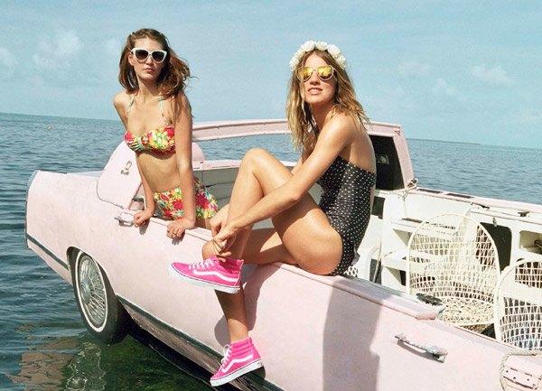 Chanel, Trends Brands и Urban Outfitters показали новые лукбуки. Изображение № 18.