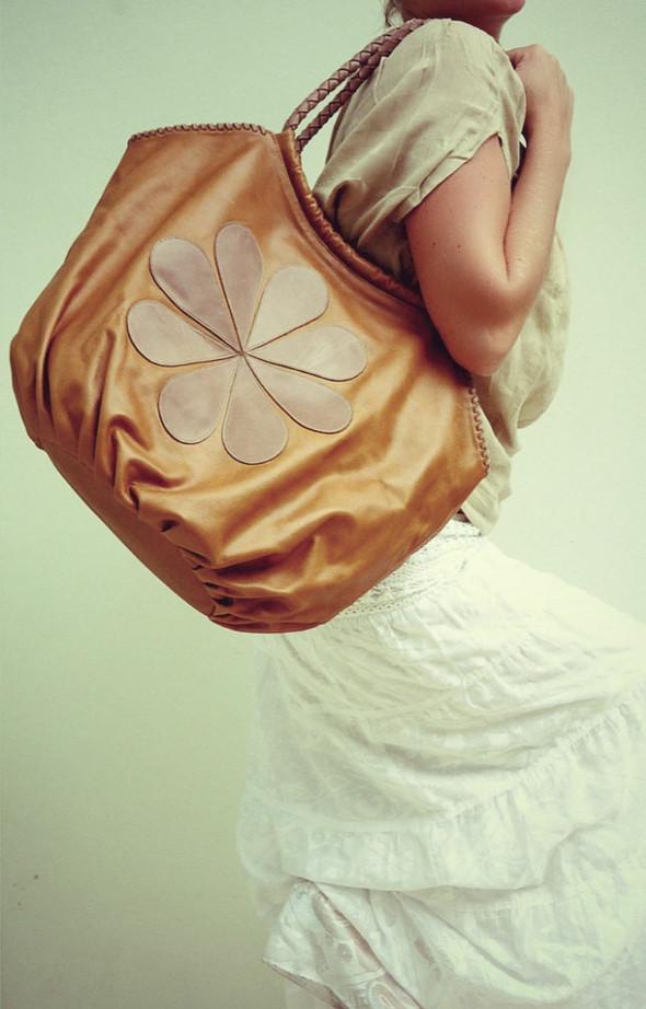 LookBook летней коллекции кожаных аксессуаров ELF. Изображение № 2.