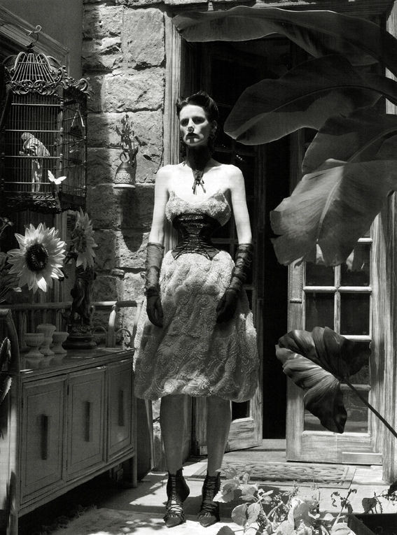 Съёмка: Стелла Теннант в объективе Стивена Майзела. Изображение № 1.