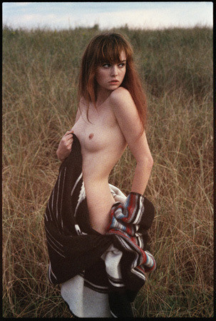 Части тела: Обнаженные женщины на фотографиях 1990-2000-х годов. Изображение №248.