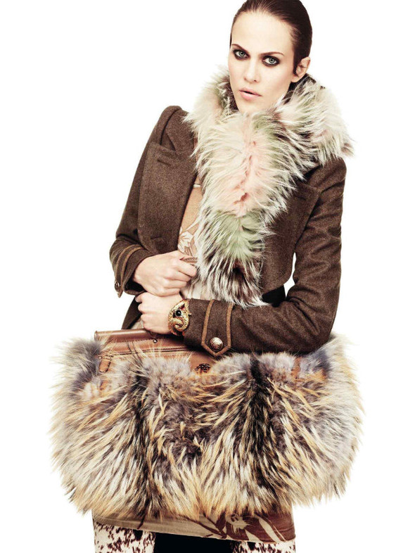 Лукбук: Эмелин Валад и Ольга Шерер для Roberto Cavalli FW 2011. Изображение № 12.
