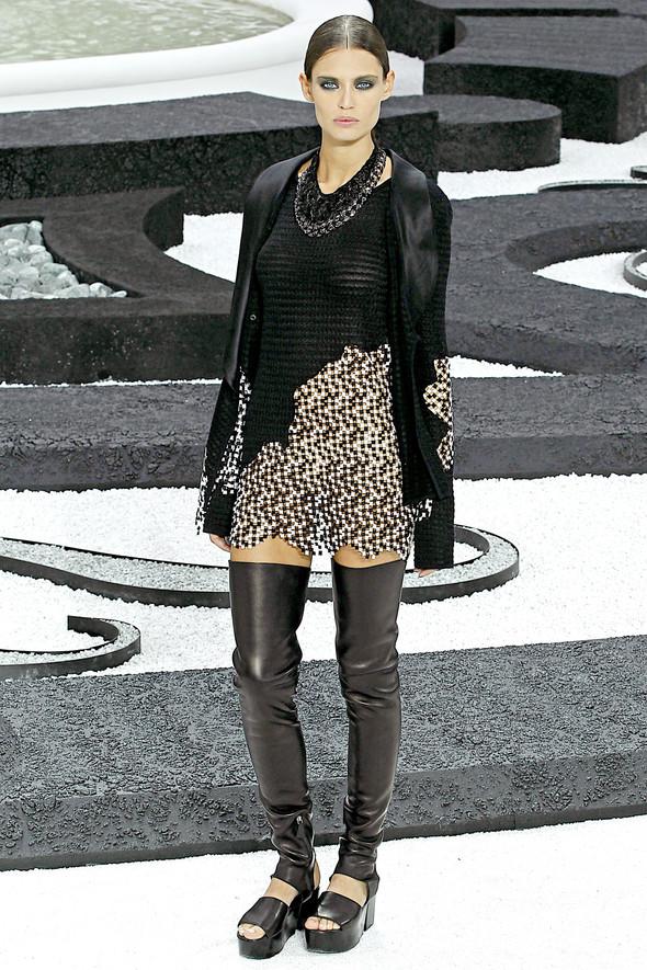 Карл Лагерфельд показал одну из самых красивых коллекций, когда-либо созданных для Chanel. Изображение № 5.