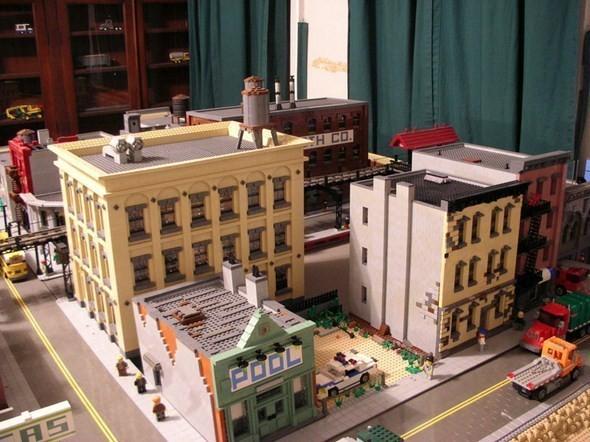 Изображение 1. Улицы Нью-Йорка из конструктора LEGO.. Изображение № 1.