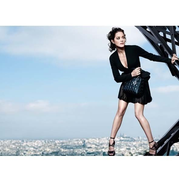 Рекламная кампания Lady Dior с Марион Котийяр . Изображение № 5.
