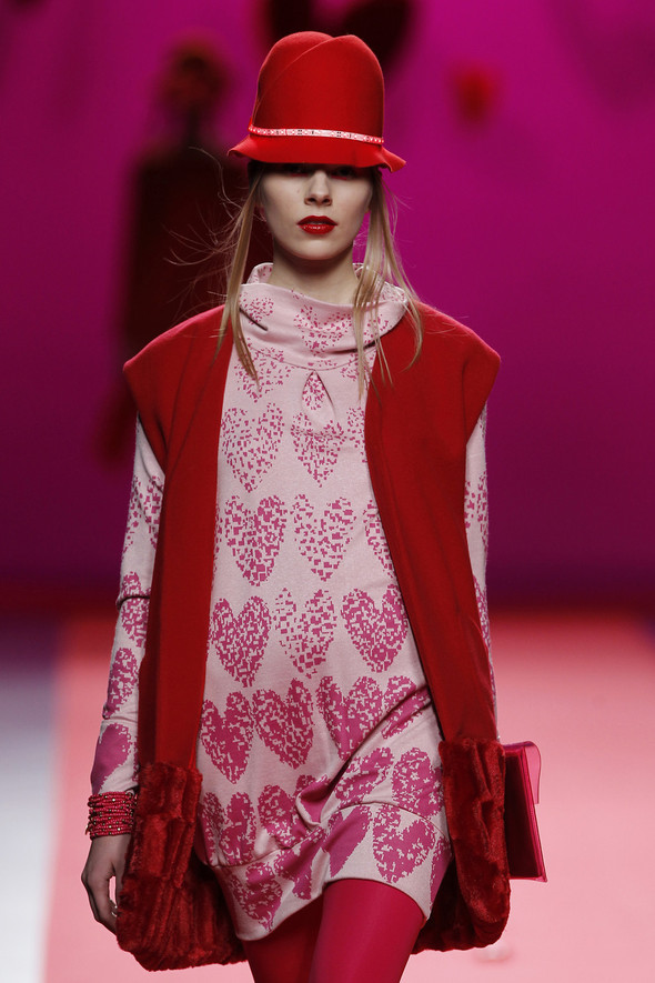 Испанцы Fall Winter 2011/2012: AGATHA RUIZ DE LA PRADA. Изображение № 6.