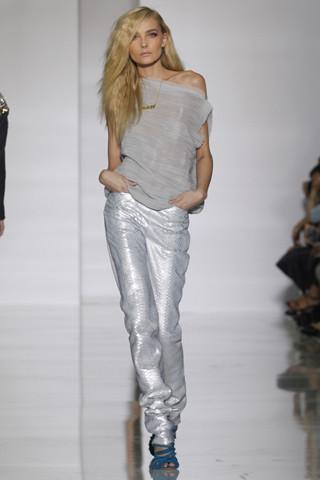 Epic fails: Увольнение Гальяно, коллекция Уэста и другие модные провалы 2011 года. Изображение № 13.