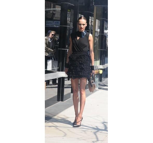 Chanel и Emporio Armani устроили публичные съемки. Изображение № 13.