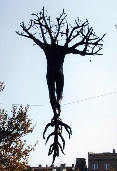Скульптуры Джерзи Кедзиоры, парящие в воздухе. Изображение № 37.