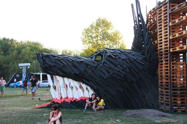 Дневник с фестиваля Sziget: DIY-рай, бар Чака Норриса и танцы под The XX. Изображение № 12.