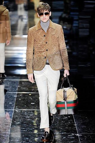 Что носить осенью: мужские показы в Милане. Изображение № 145.