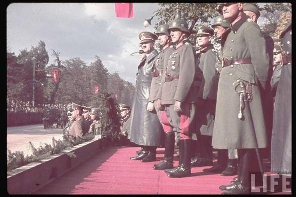 100 цветных фотографий третьего рейха. Изображение №94.