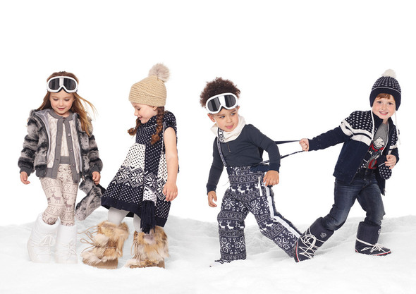 Все лучшее детям: лукбуки D&G, Gucci, John Galliano, Burberry. Изображение № 12.