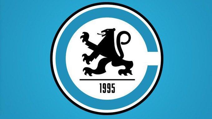 Логотипы футбольных клубов NFL перерисовали на европейский манер. Изображение № 3.
